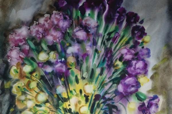 Сиреневые гвоздики и хризантемы